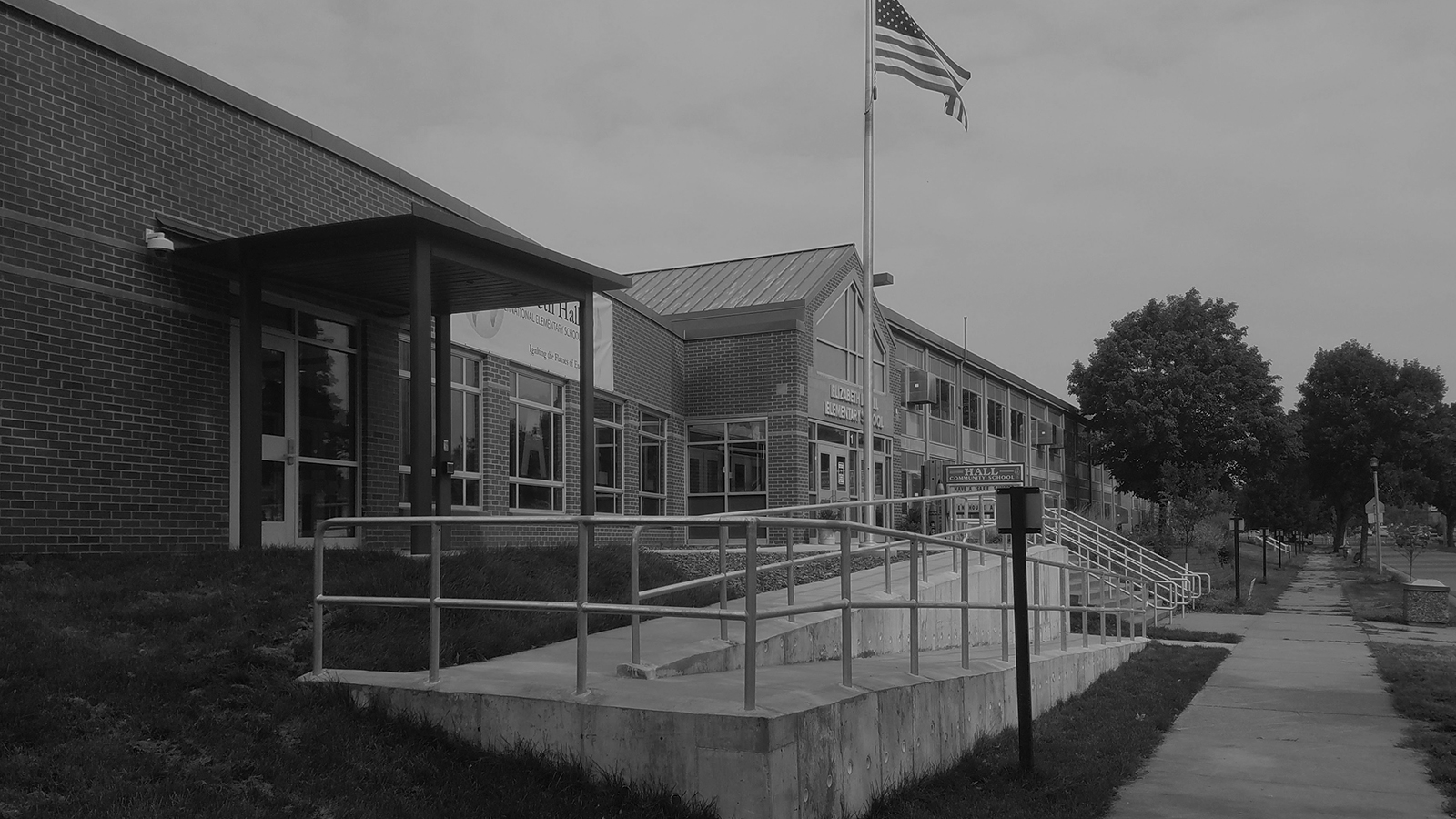 stylized, B&W photo of LEO A DALY - ELIZABETH HALL ELEMENTARY SCHOOL